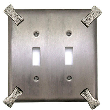 Martillo Double Toggle Switch in Matte Pewter
