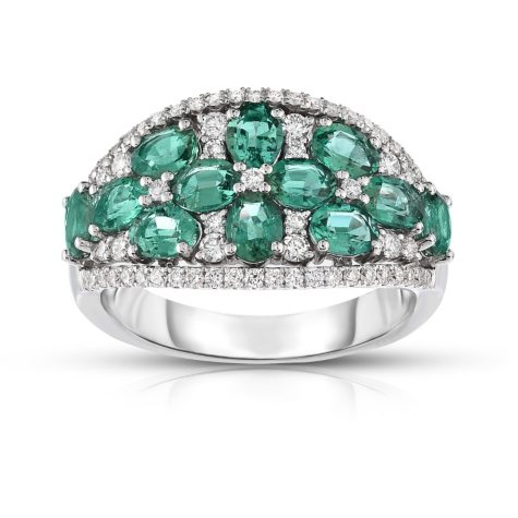 Oval-Shaped Emerald Ring with Diamonds in 18K White Gold