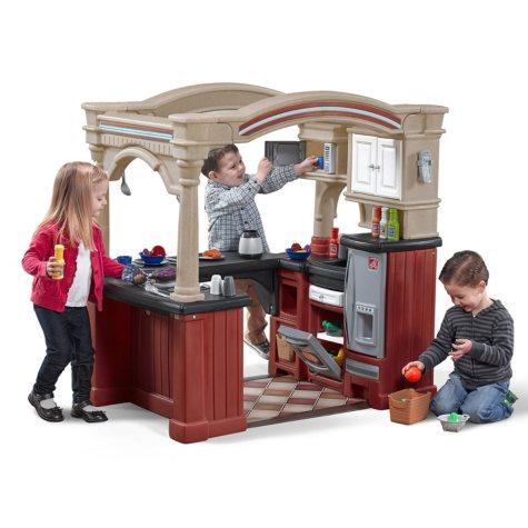 Grand Walk-in Kitchen