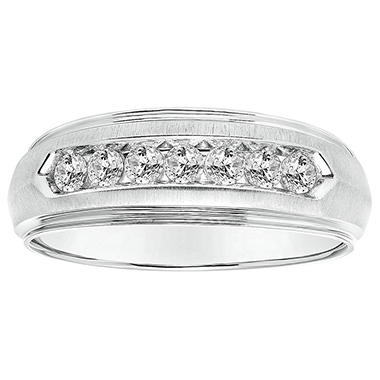 .47 CT. T.W. Men's Diamond Ring in 14K White Gold