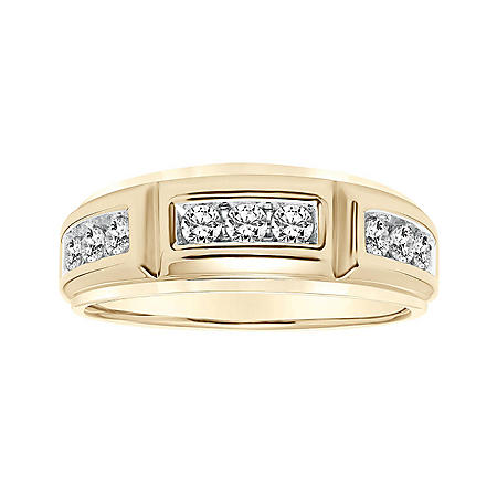 0.75 CT. T.W. Men's Diamond Ring in 14K Gold