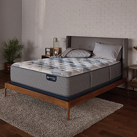 Serta iComfort Blue Fusion 200 Plush Hybrid King Mattress Set