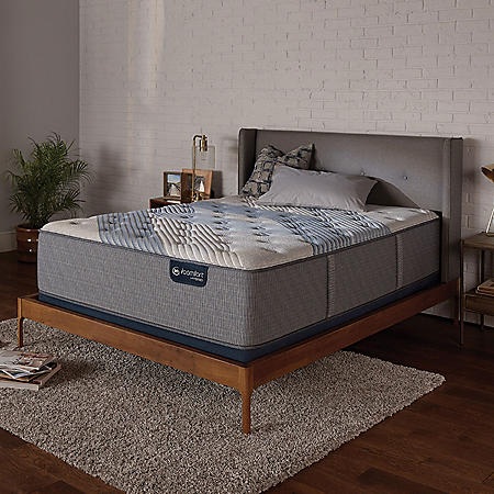 Serta iComfort Blue Fusion 3000 Plush Hybrid Queen Mattress Set