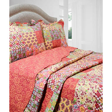 Vintage Classics Collection Madeline Quilt Set