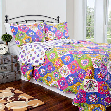 Vintage Classics Collection Lena Multi Colored Quilt Set