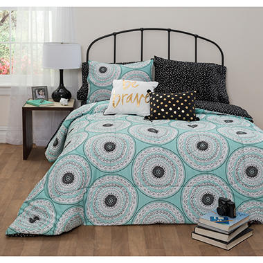 Idea Nuova Estelle Medallion Comforter Set (Assorted Sizes)
