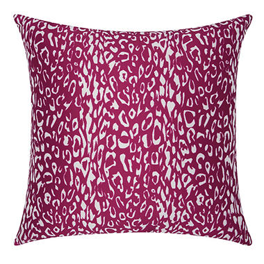 Mina Victory Leopard Lilac Outdoor Throw Pillow