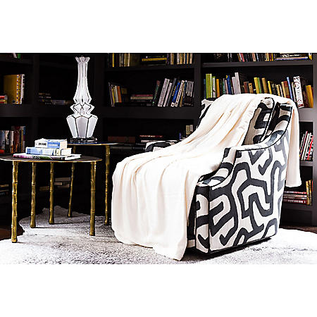 Fraiche Maison Hot Pressed Velvet Plush Blanket, Pristine