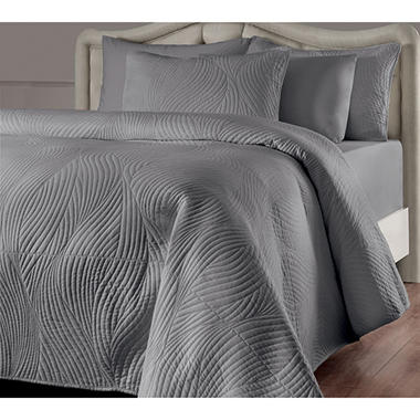 Brielle Stream Quilt and Sham Set (Assorted Sizes and Colors)
