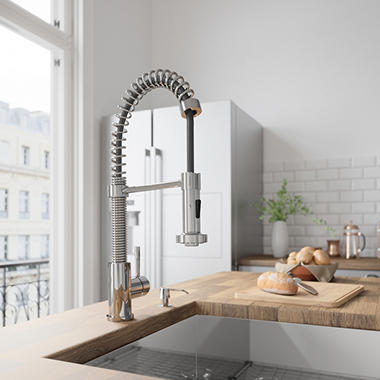 Vigo Pull Out Spray Kitchen Faucet Chrome Finish