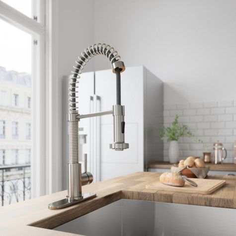 VIGO Edison Pull-Down Spray Kitchen Faucet With Deck Plate (Stainless Steel)