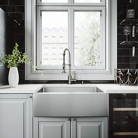 VIGO 30-inch Farmhouse Stainless Steel Kitchen Sink with Rounded Edge, Grid and Strainer