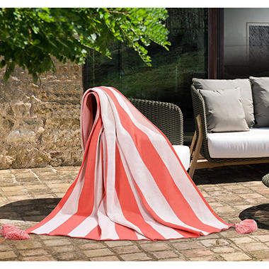 Outdoor Throw (Assorted Colors)