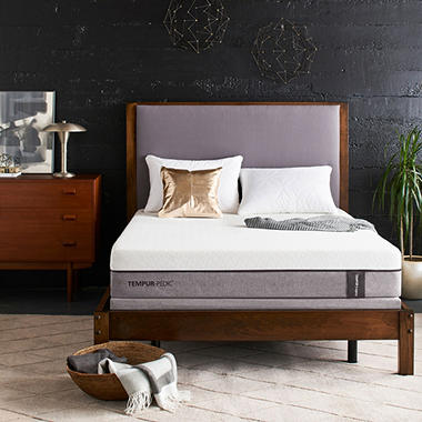 TEMPUR-Pedic Legacy King Mattress Set