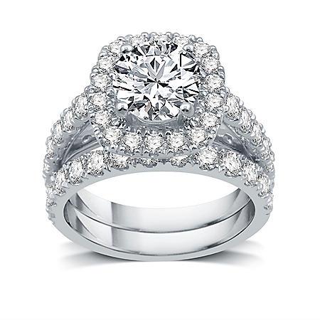 3.5 CT. T.W. Diamond Bridal Set in 14K White Gold (I-I1)