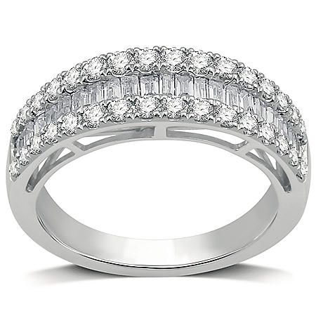 1.00 CT. T.W. Diamond Band in 14K White Gold