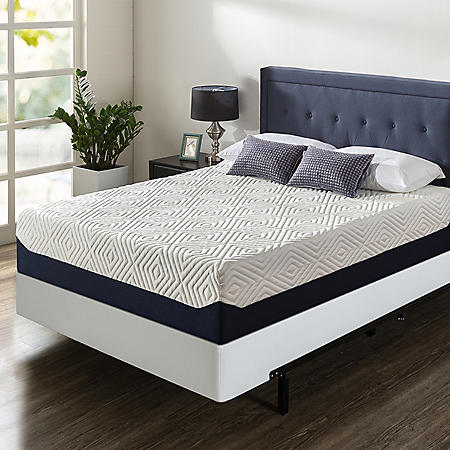 """Zinus Night Therapy 14"""" Breathable Cooling Memory Foam King Mattress and BiFold Box Spring Set"""