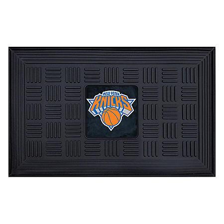 NBA New York Knicks Medallion Doormat