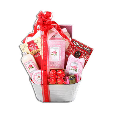 Sweet Scents of Love Gift Basket