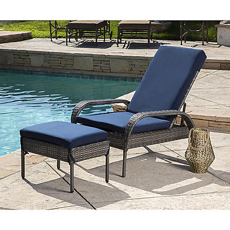 Kingsley Outdoor Wicker  Chaise Lounge with Ottoman, Gray/Navy