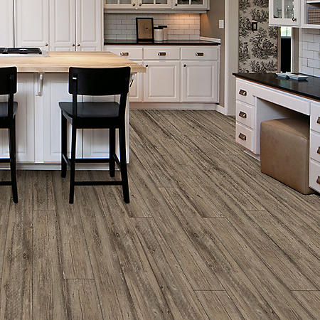 Select Surfaces Weathered Oak Premium Engineered Vinyl Plank