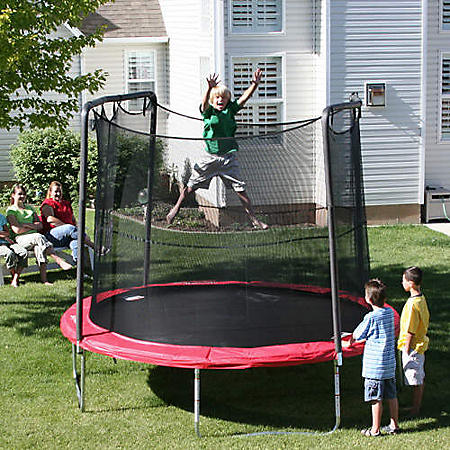 8' Trampoline and Enclosure - Shipping Included