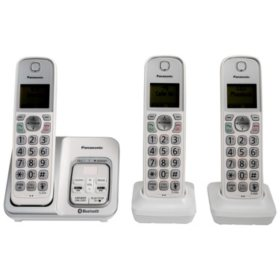 Panasonic KX-TG833SK1 Link2Cell Bluetooth Cordless phone with Voice Assist and Answering Machine - 3 Handsets