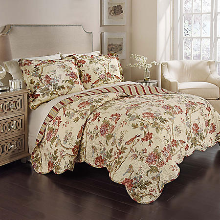 Floral Medley 3-Piece Reversible Quilt Collection (Assorted Sizes)