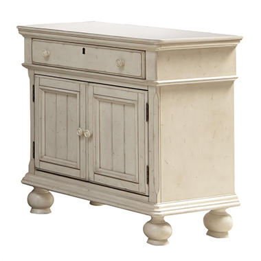Southington Nightstand