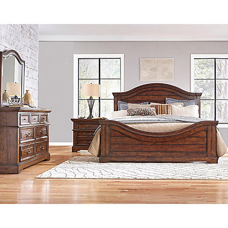 Highland Creek Bedroom Furniture Set (Assorted Sizes)