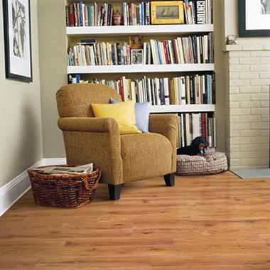 Nice Traditional Living® Premium Laminate U2013 Rusticwood Oak; 10mm Thick U2013 1 Pk.